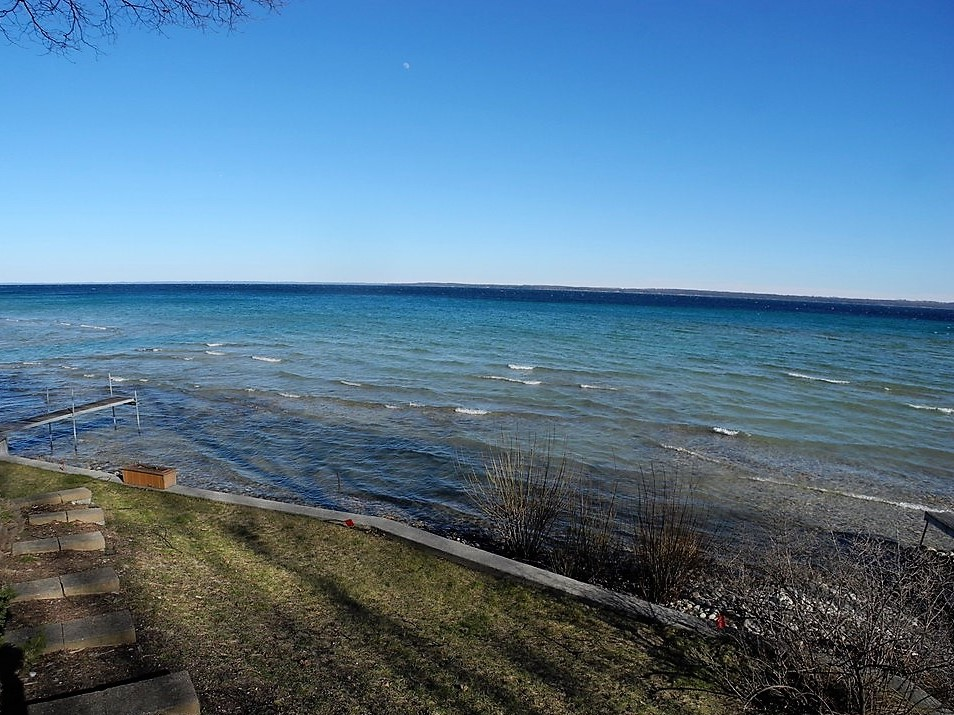 135 S Nanagosa Trail, Suttons Bay, Leelanau County, sold by Oltersdorf Realty LLC (3).JPG