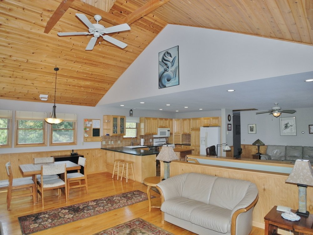 1095 S Windy Ridge Trl, Lake Leelanau, Leelanau County - For sale by Oltersdorf Realty LLC (12).JPG