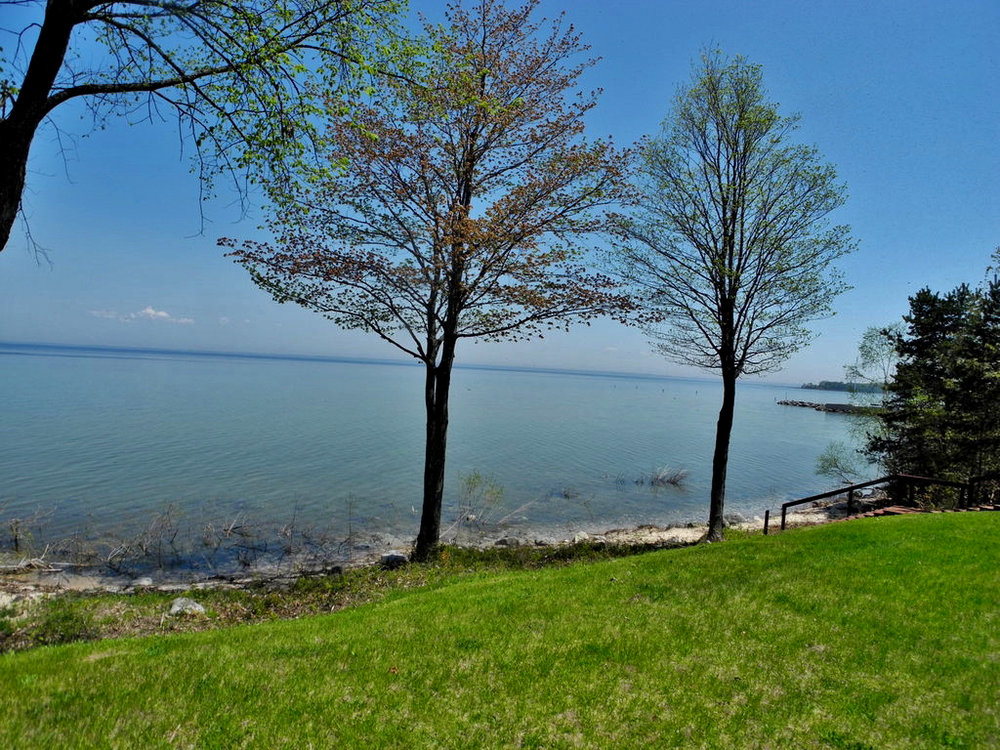 6602 N West Bay Shore Dr, Northport, MI – Ranch with 115' of Sandy Frontage on Grand Traverse Bay for sale by Oltersdorf Realty LLC (5).jpg