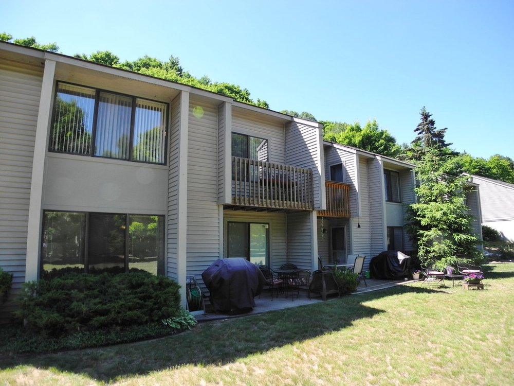 11255 E Fort Road, Unit A-2, Suttons Bay – FOR SALE by Oltersdorf Realty LLC (3).JPG