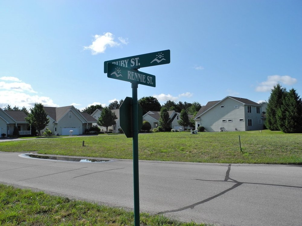 Units 48 & 49 Ruby Street - For sale by Oltersdorf Realty LLC (8).JPG