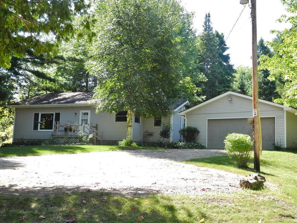 2566 S Pine View Road, Suttons Bay, MI – Affordable 3 Bedroom Suttons Bay Ranch Home for sale by Oltersdorf Realty LLC (6).JPG
