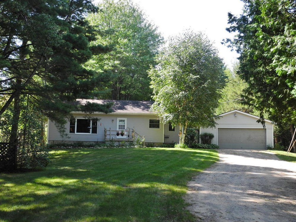 2566 S Pine View Road, Suttons Bay, MI – Affordable 3 Bedroom Suttons Bay Ranch Home for sale by Oltersdorf Realty LLC (1).JPG