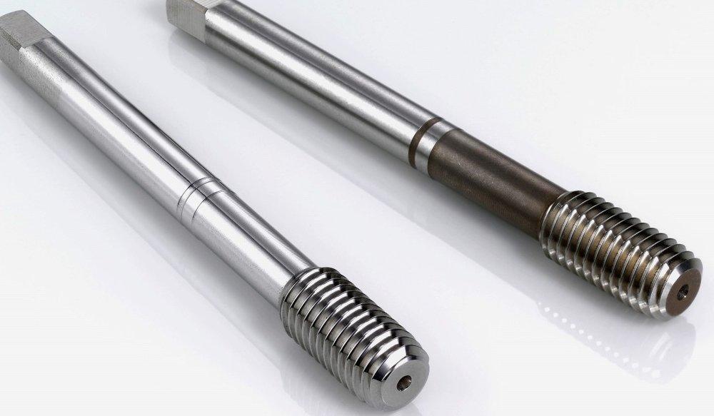 Gereedschappen / tools - - 's werelds snelste finishing technologie t.b.v. polijsten, snijkant verronden en ontbramen- Frezen, boren, draadtappen, etc.- Verlengt de levensduur van het gereedschap aanzienlijk gezien de lagere frictie bij inzet- Verbetert de hechting van de coating en verwijdert droplets na het coaten-Eenvoudig te automatiseren- Tot 100 tools/uur