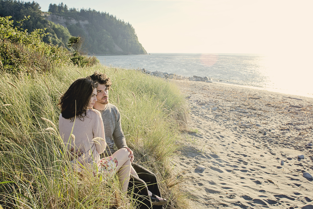 Seattle-Couple-Nic-Thacker-and-McKenna-Moe-Engagement-Photos