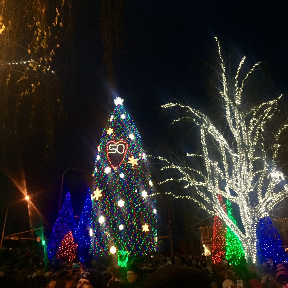 Leavenworth-Annual-Tree-Lighting-Festival-Tips
