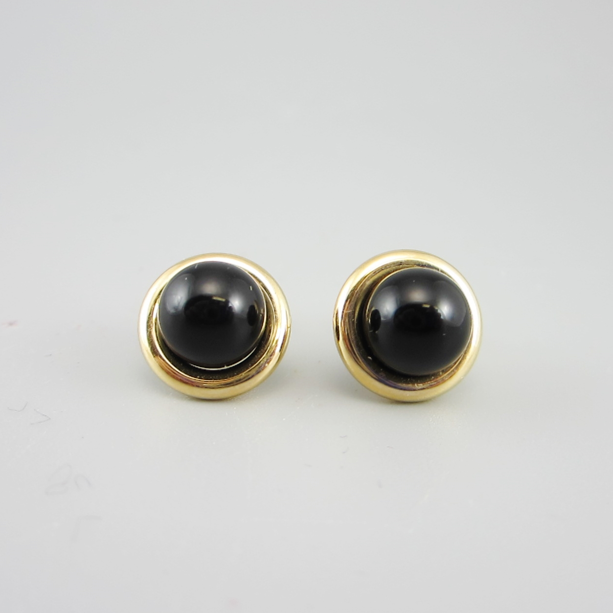earrings store petite onyx square