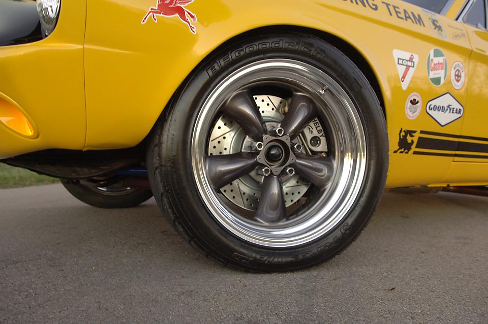 Mustang028.jpg