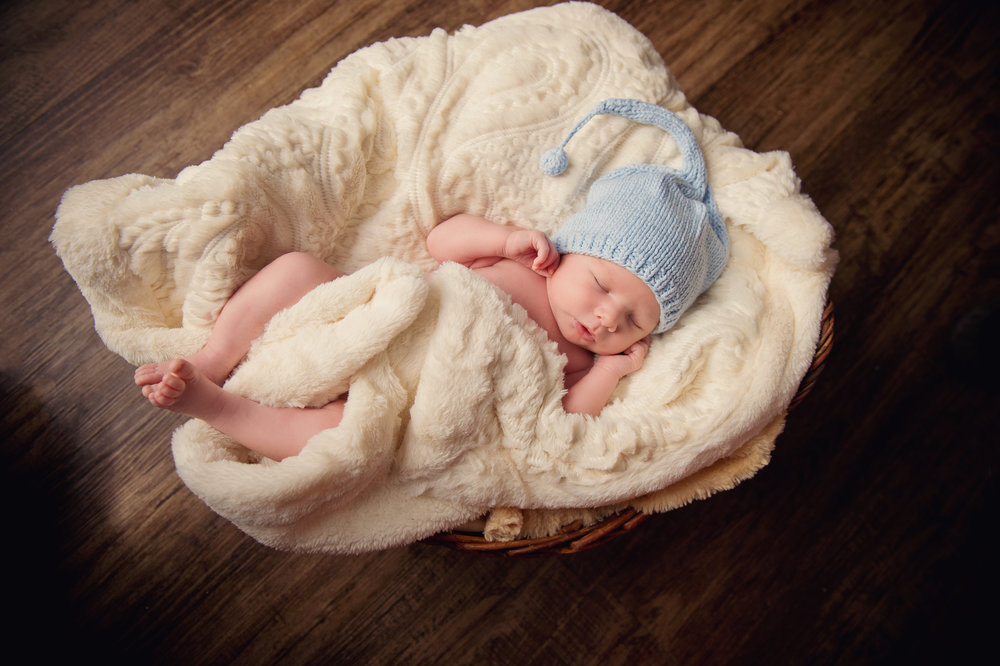 Newborn - This session takes place within the first 10-15 days of life.