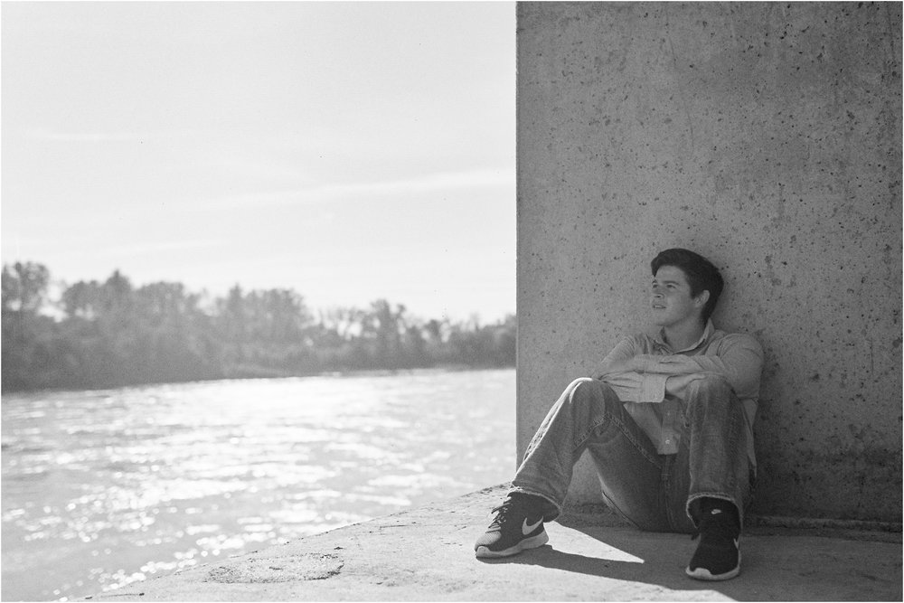 Nathan Peleska-Omaha Senior Portrait Lifestyle Roland Massow-14.jpg
