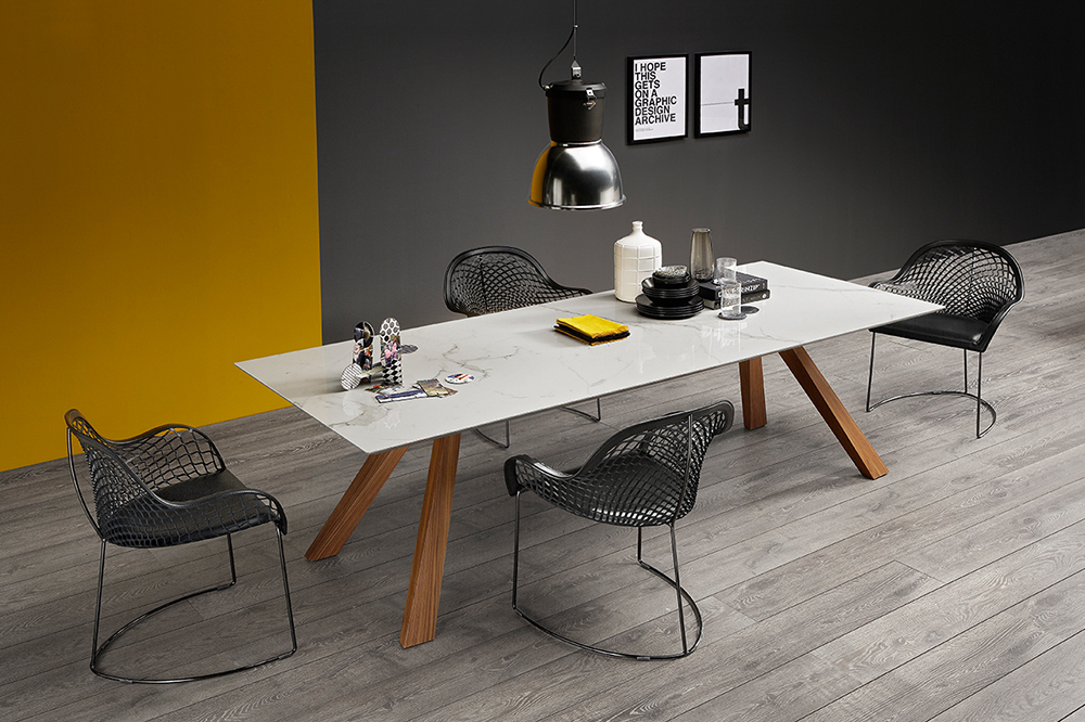 Dining Table 9067