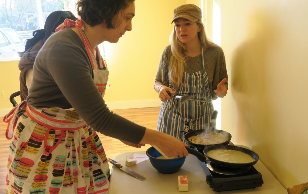 Parents sharing their secret recipes for delicious crêpes!