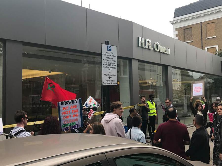 HR-Owen-protest-2.jpg