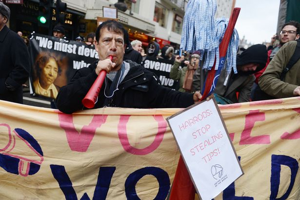 Harrods-workers-protest-chaos-over-services-charges (2).jpg