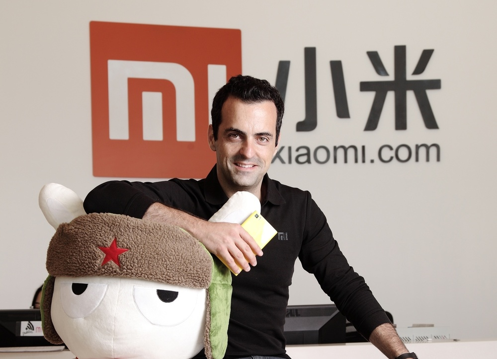 Hey, look! It's Xiaomi VP Hugo Barra and their mascot Mitu. I definitely don't know Hugo so you had better believe that all the pictures in this post are care of our dear friends at google image search.