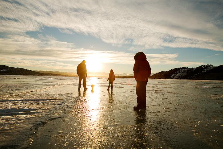 Calgary Family Photographer (Photo by Dana Pugh) shortandsweetphotography.ca