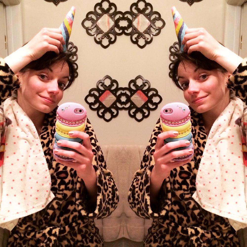 unicorn-macaron-phone-case-hm-towel.png