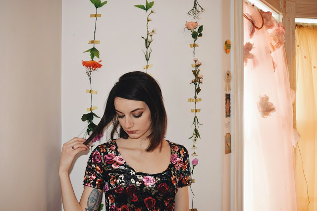 kathy-vsco-flowers-on-the-wall-7.jpg