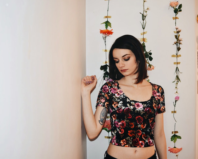 kathy-vsco-flowers-on-the-wall-6.jpg