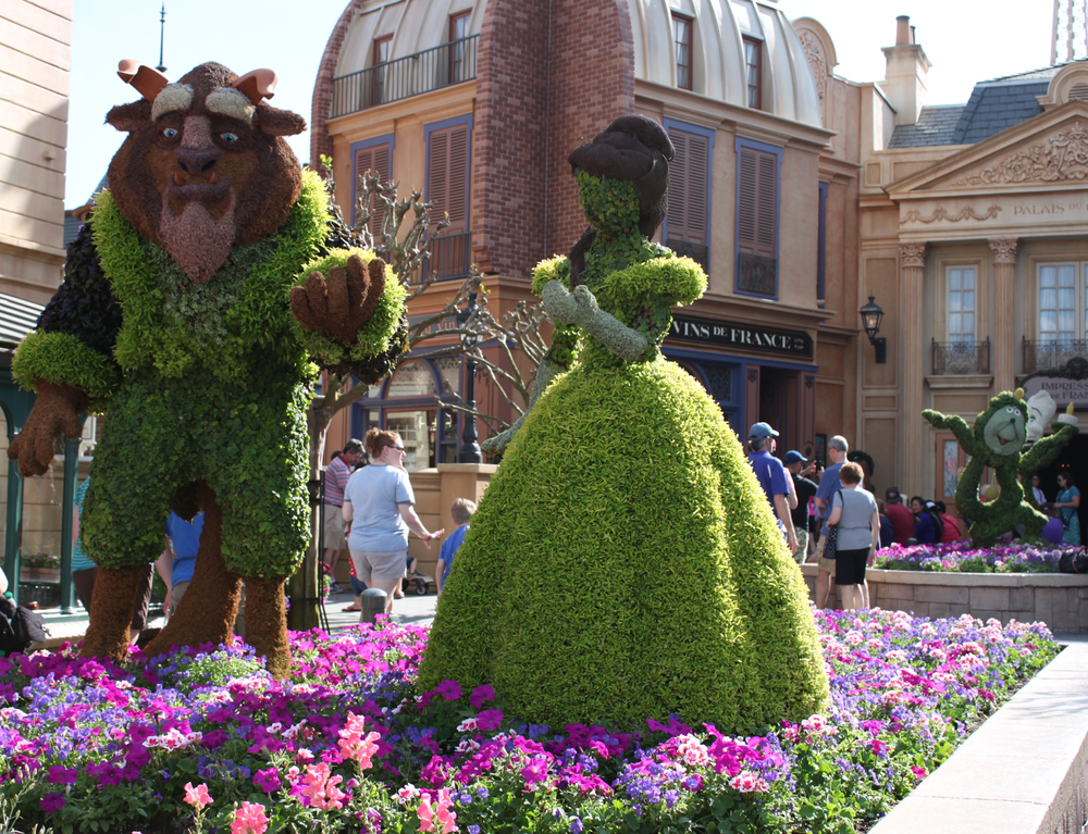EPCOT-international-flower-and-garden-festival-beauty-and-the-beast-belle-topiary-france.png