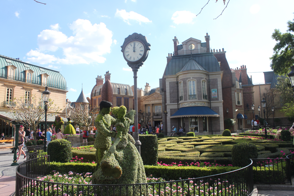 cinderella-topiary-epcot-disney-france.png