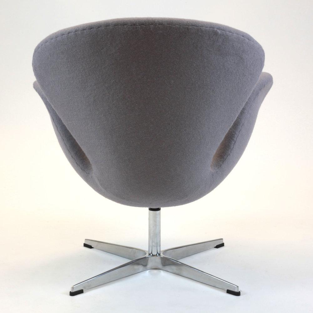 Swan Fiberglass Chair