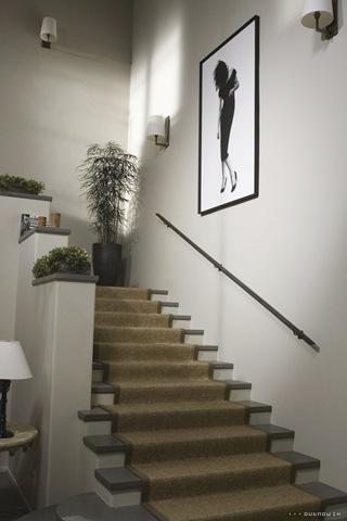 Amandas-staircase-artwork