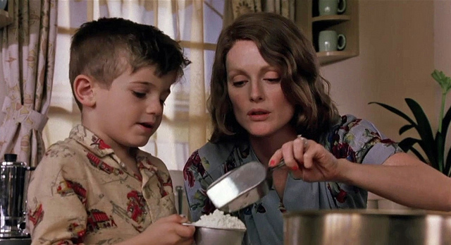 Jack Rovello & Julianne Moore, The Hours (2002)