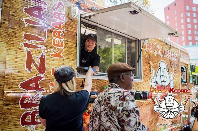 Come down Jax! Only two days until Jacksonville Jazz Fest! #jaxjazzfestival 🎼🎤🎷🥁🎷#jacksonvillejazzfestival #ilovejax #dtjax @cityofjax @jaxhapps #duval #onlyinduval #food #music #drinks #delishkebabs #foodtrucklife