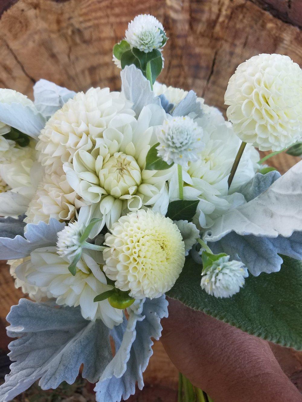 whie bouquet.jpg