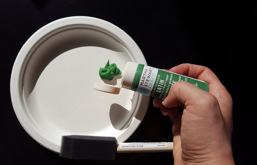 Compo plates make the perfect painter's palette for arts and crafts