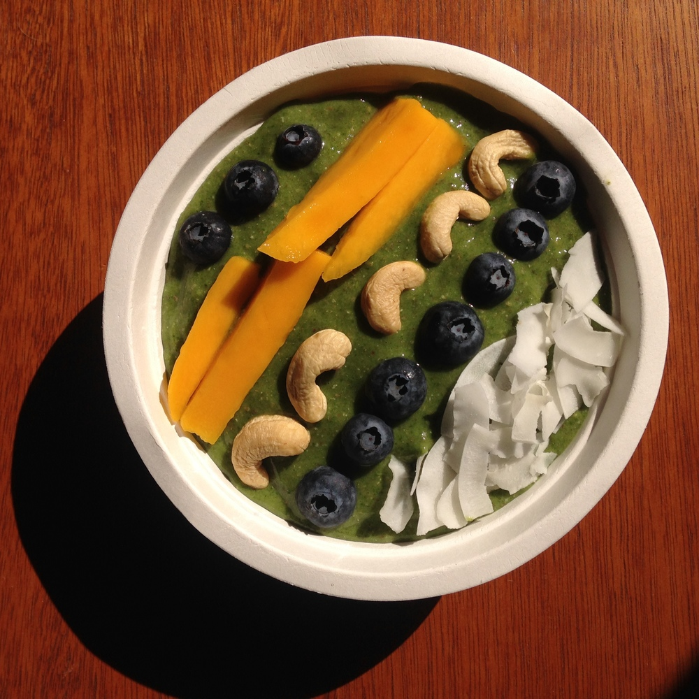 easy green smoothie bowl recipe.jpg