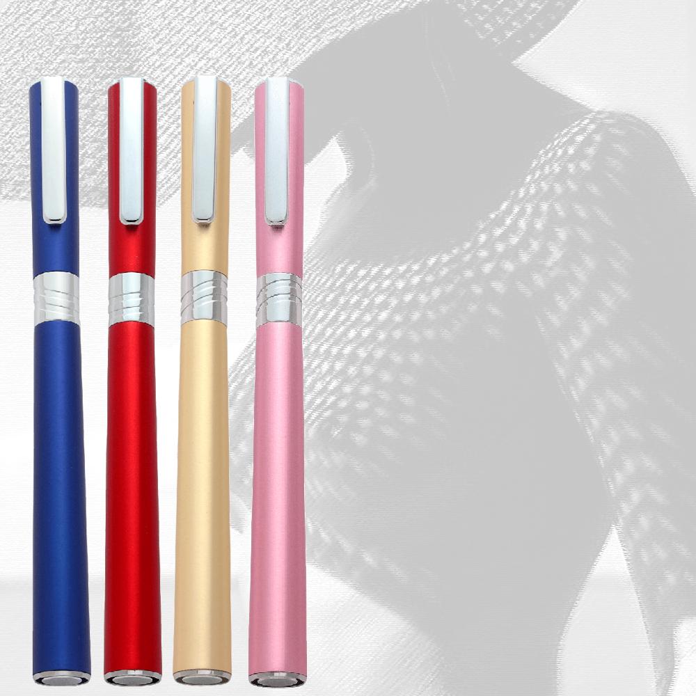 完璧な筆記具 - 羽ばたく蝶の美しさに刺激を受け、レ・ルージュ万年筆は女性のために最も良い重さ・バランスでデザインされました。レ・ルージュ万年筆を握ると、指の上に蝶が止まっているかのような感覚をもつことでしょう。