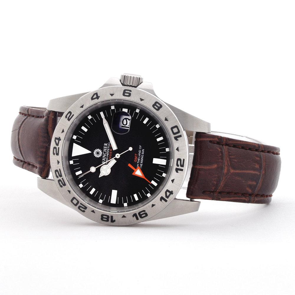 GMT針単独調整可能 - 通常の時計とは異なった、違うタイムゾーンの時間を24時間表示で表示することが可能です。