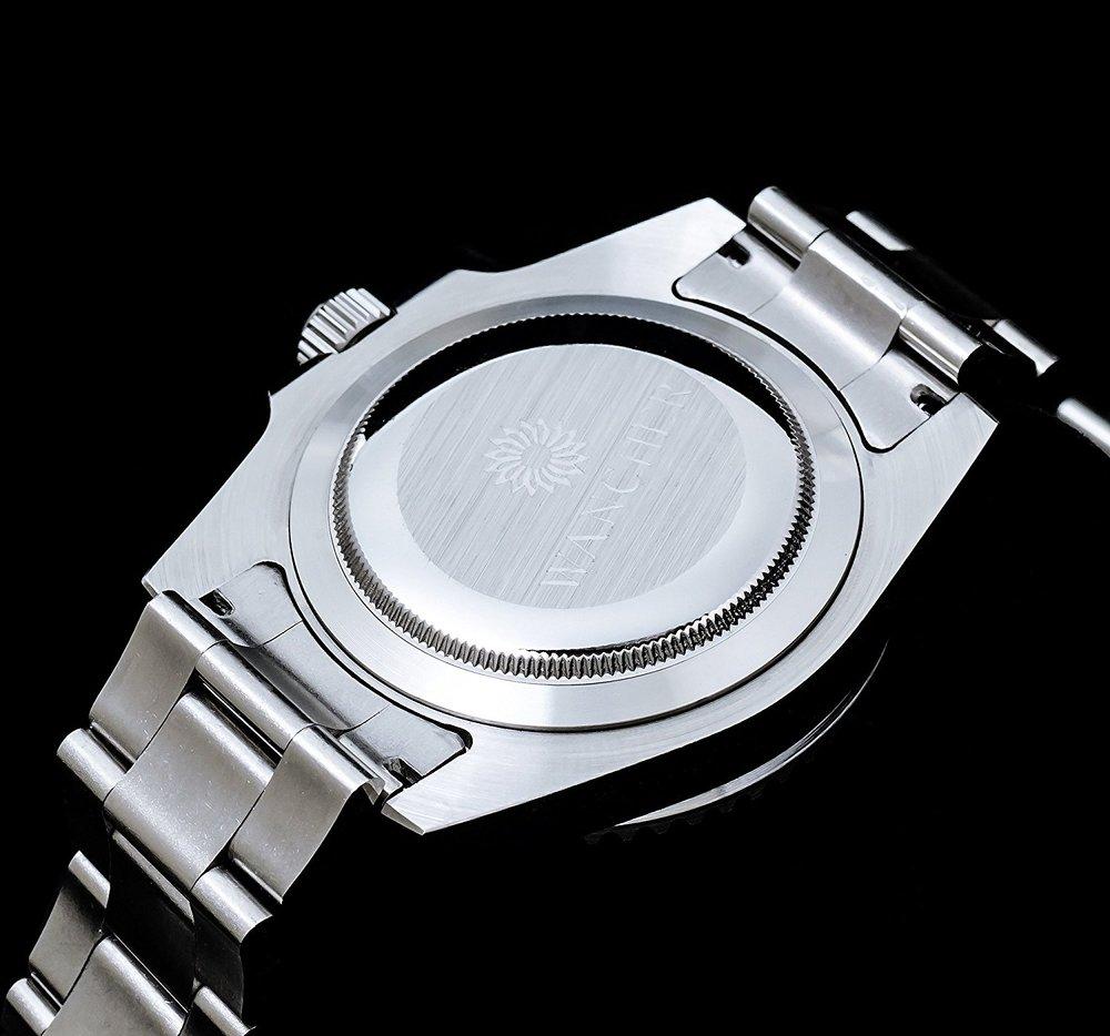 ステンレス316L - パーツの精巧な作り、剛性感、無垢のステンレスブレスと合いまり、手にしたときの質感は精巧に、きっちりと妥協無く作られた、良い時計を手にしている満足感を感じていただけます。