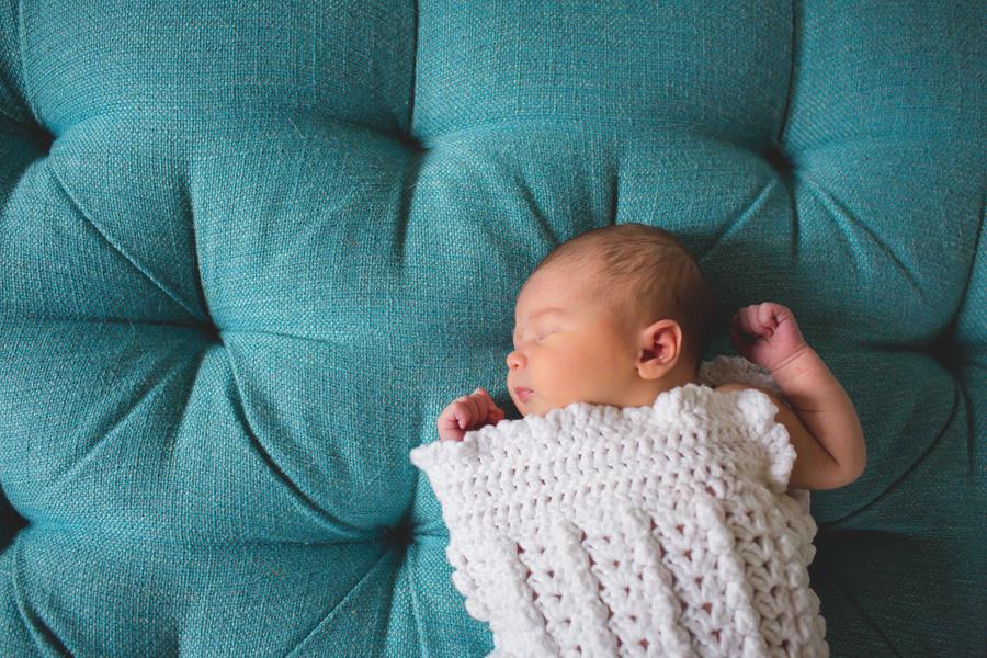 08-NewbornEmily-29.jpg