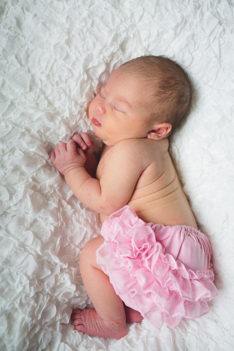 5-NewbornEmily-73.jpg