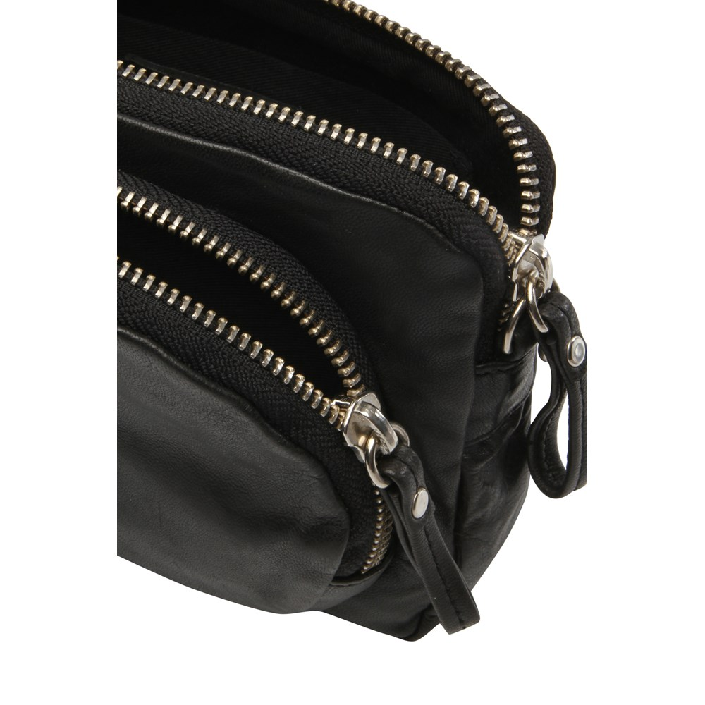 filippa-k-mini-leather-bag-3500781-1000x1000.jpg