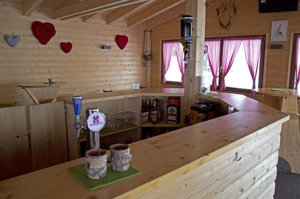 Bar Thresen.jpg