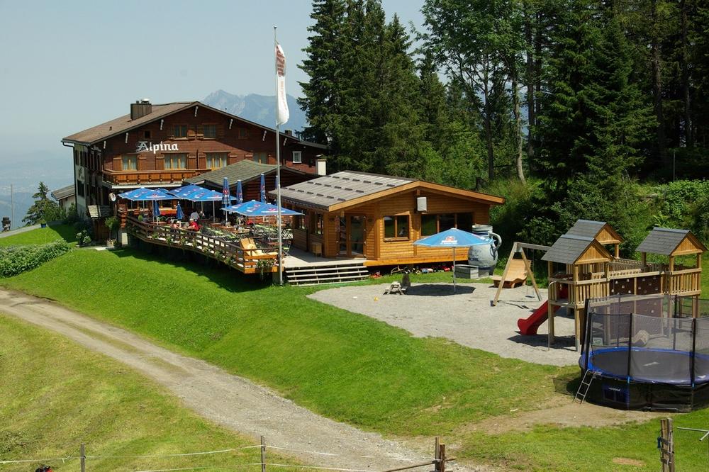 Hotel Alpina Sommer1.JPG