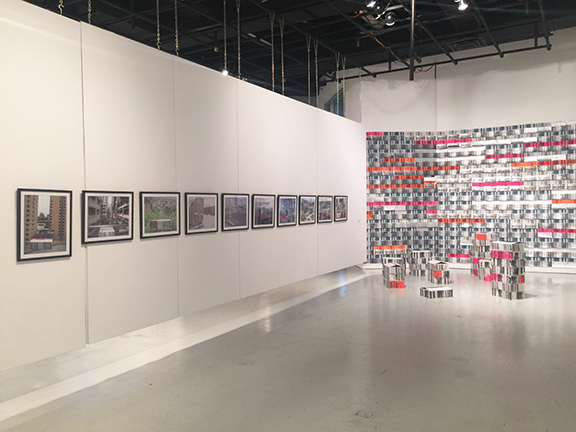 Juan Raúl Hoyos.Imagen de sala. Exposición Archictectural Playground, 2016