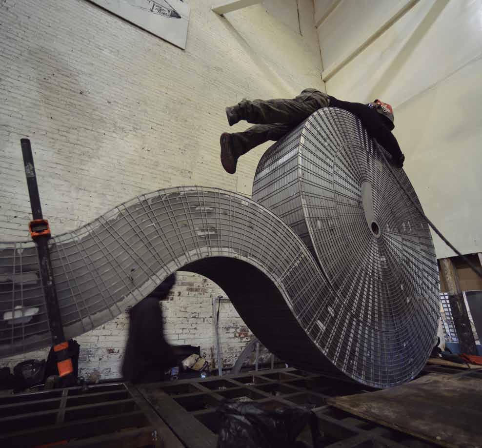 Proceso de producción de  Seagram , 2013, acero, 451 x 195 x 24.3 cm.