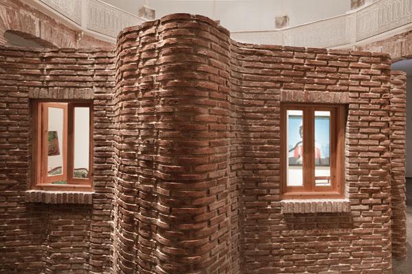 Detalles de ladrillos curvos especialmente producidos para esta construcción
