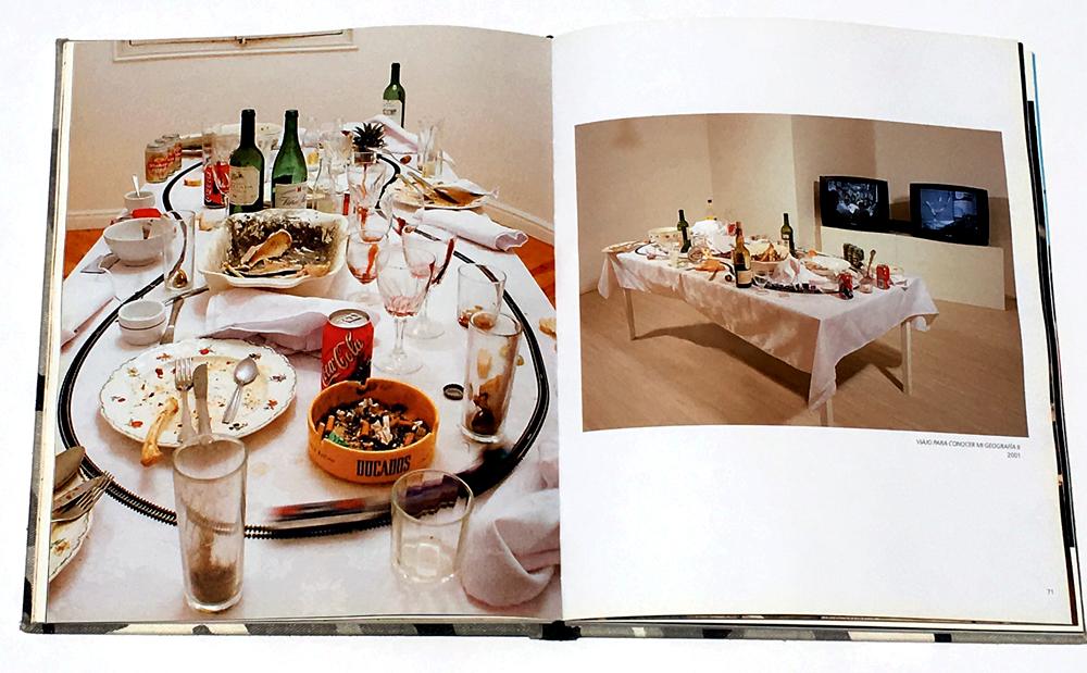 Páginas catálogo de la exposición  Actos Heróicos,  2011