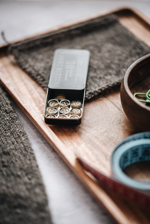 merchant-&-mills-buttons-yellowish-patricia-martins-2019