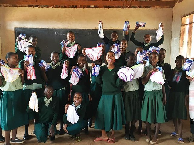 #TBT to August when Mercy Mushi visited QEA. Along with @nkyaaika, Mercy co-founded Nguzo Foundation to support Tanzanian women and girls through holistic education. She came to teach the QEA girl's club about menstrual hygiene. She also distributed reusable sanitary pads to help ensure that their period will never have to stop them attending school again. Female staff at QEA took part in the sessions too and support the girls between Mercy's visits. #girlariseandfulfillyourdreams #globaladvocatealumni #dadayetu #nguzo #tanzania @mama_hope @mercyiko @afripadsltd @thepollinationproject