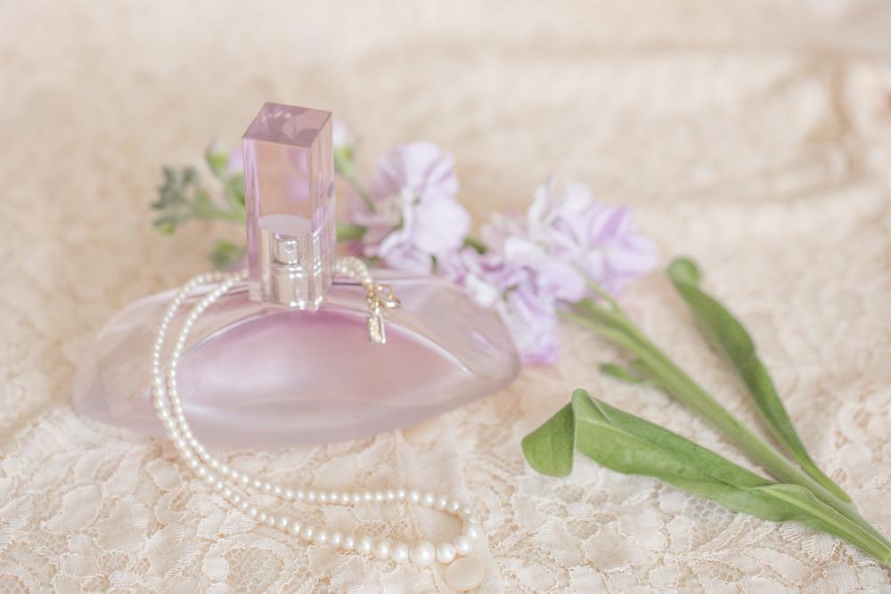 Perfume and Stock Flowers (4 of 11).jpg