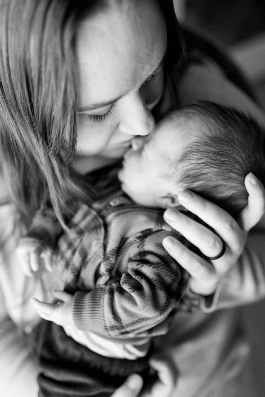 Frusti Newborn-2.jpg