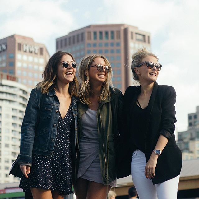 The friends we make travelling are friends for life...💕 Last week we reunited in Melbourne with our girl @krissierogers and while we winded, dined and explored the city together @travelshootco followed us around to capture some of these special moments. Read all about the experience up on the blog. #linkinbio #travelshoot #flyawaywithus