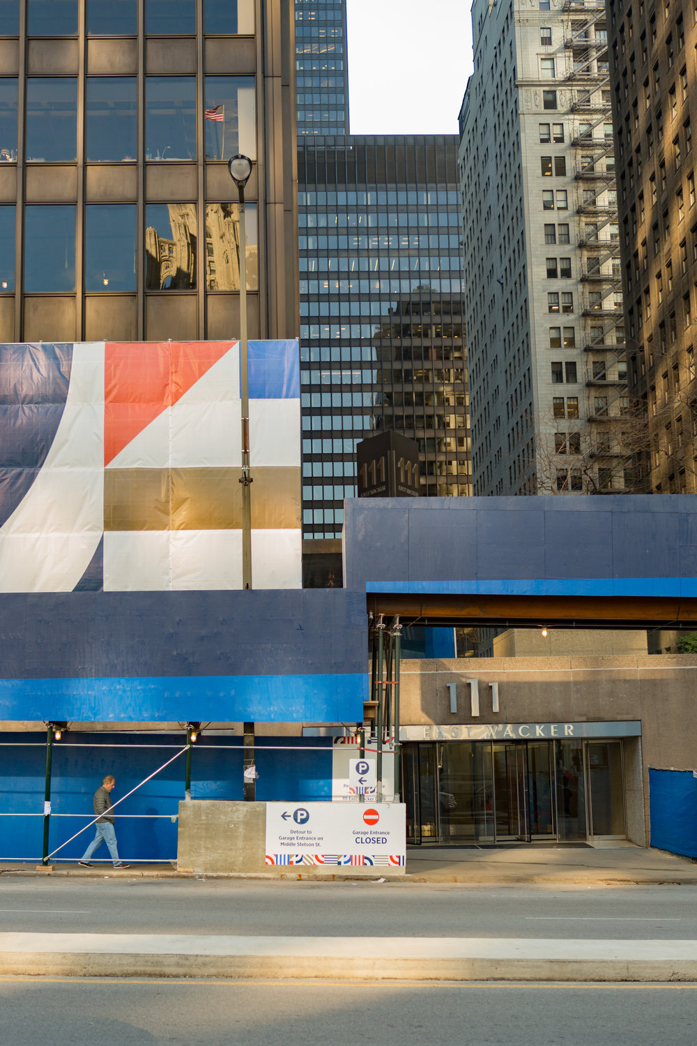 Construction graphics and signage for Illinois Center